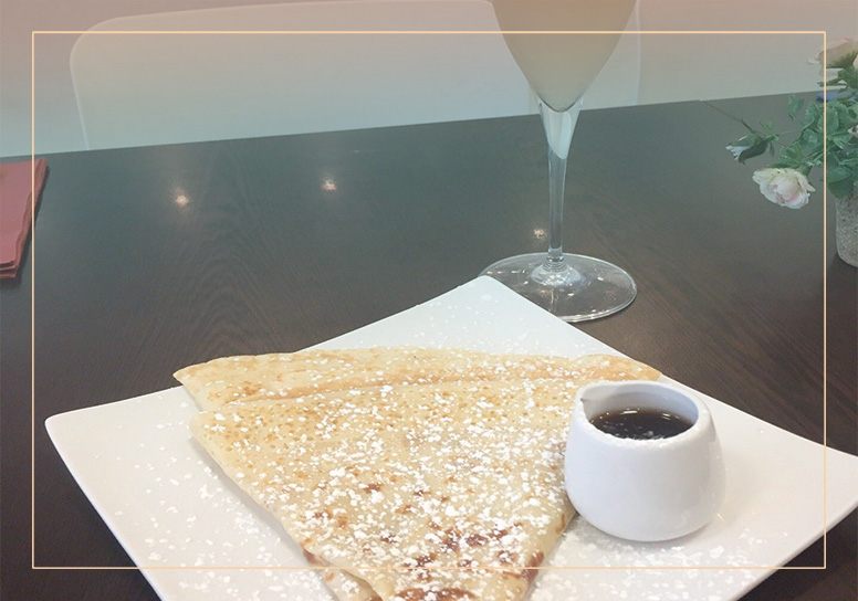 Crepes and Creams booking background